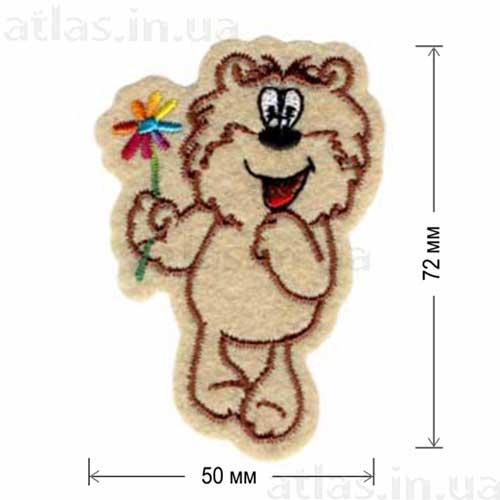 медведь с цветком нашивка