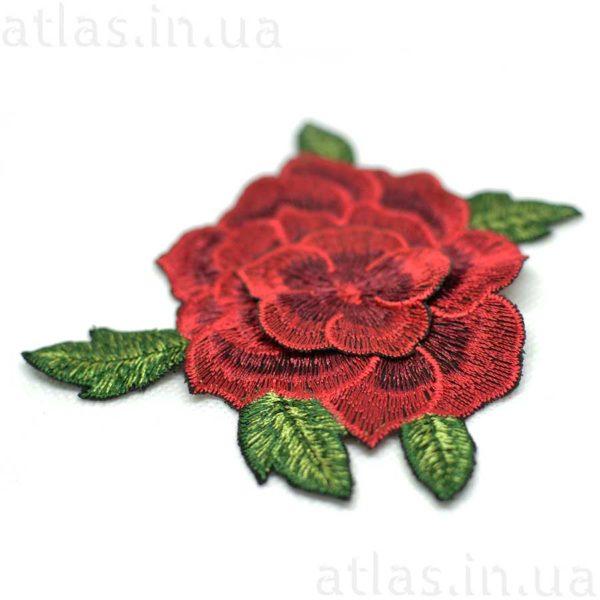 красная роза вышивка на сетке